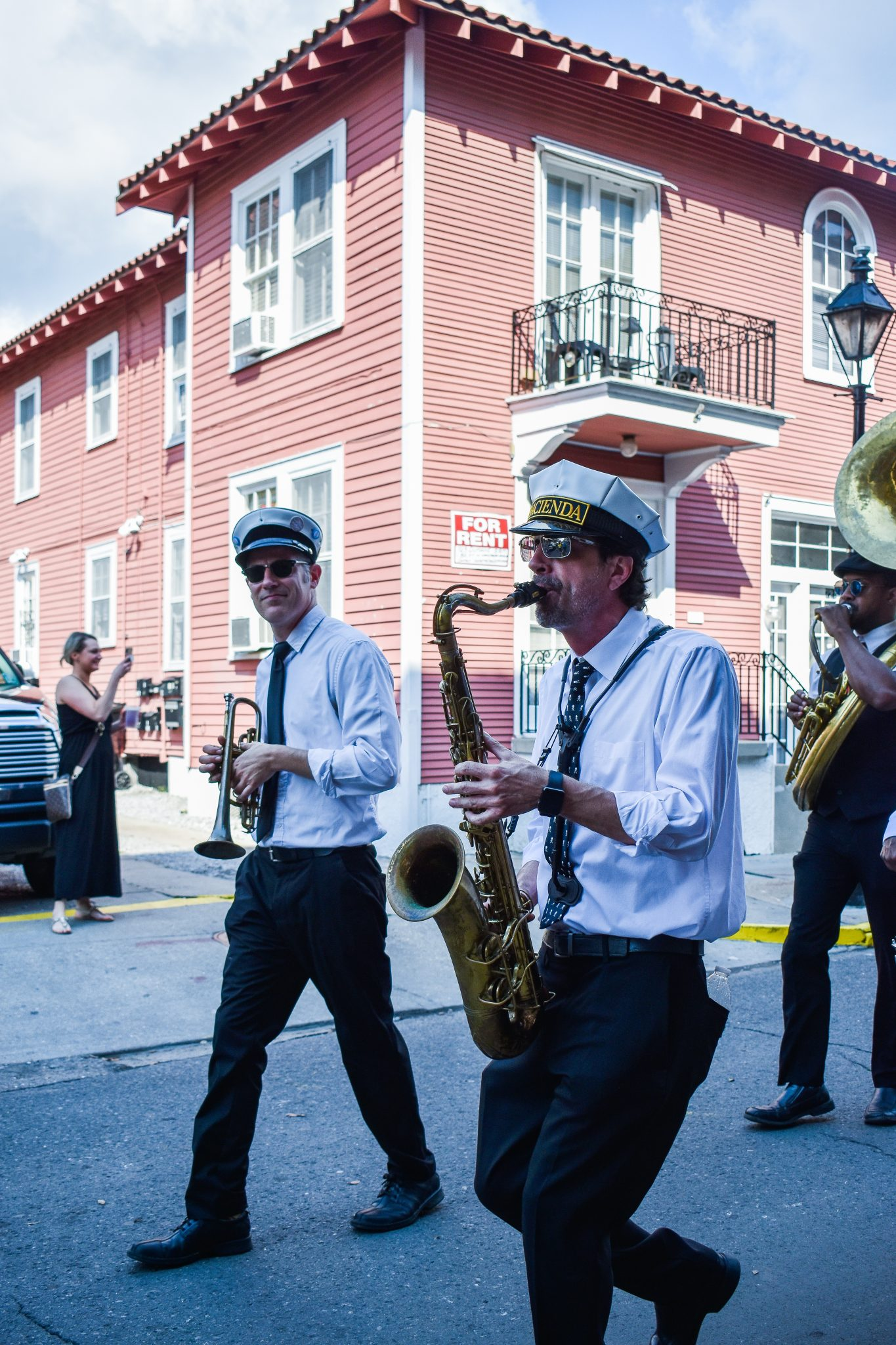 5 Must Explore NEighborhoods in New Orleans