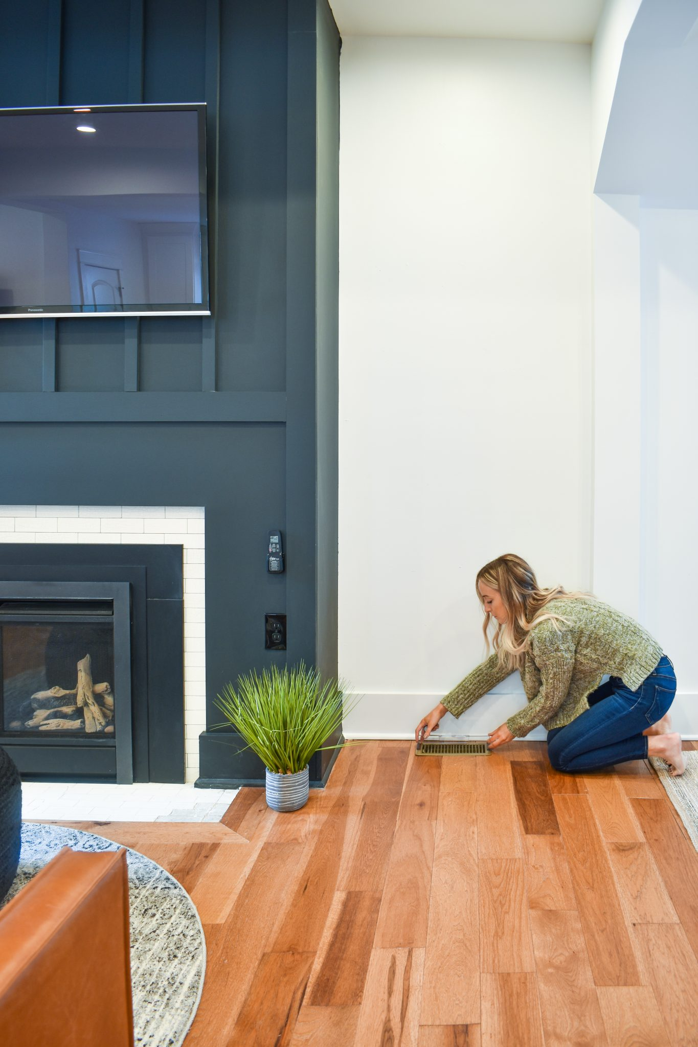Ten Ways to Save on Your Energy Bill This Winter With White and Wood